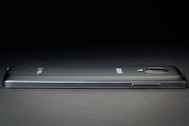 Samsung Galaxy Note Edge right side