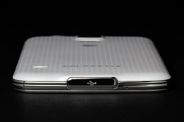 Samsung Galaxy S5 review port