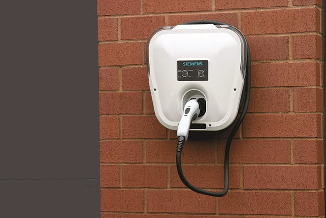 amazon cuts prices of juicebox and chargpoint level 2 home ev chargers siemens us2 versicharge universal  vc30gryu leve charg
