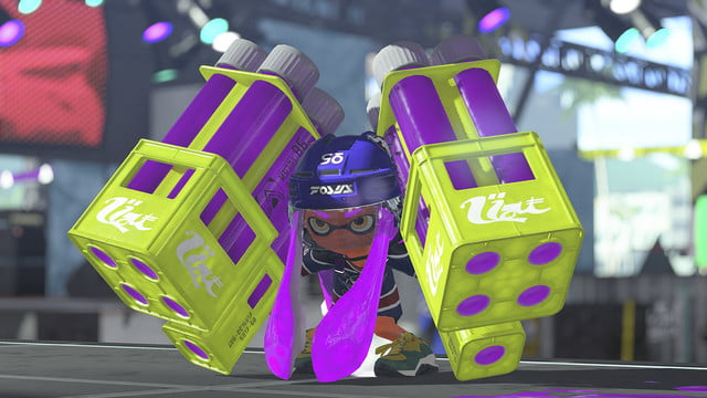 Splatoon 2 review character holding massive paint bazookas