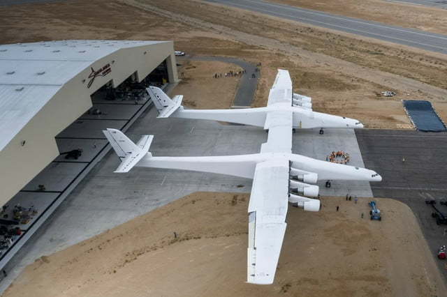 stratolaunch dwarves other aircraft strato 3