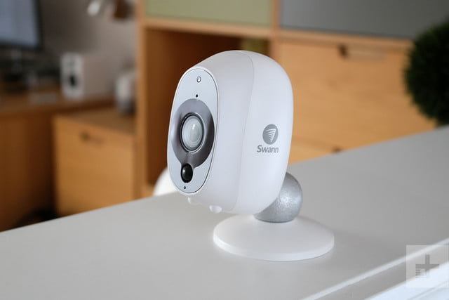 swann smart security camera review facing left light