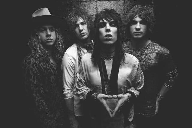 interview the struts embrace streaming thestruts fb 09