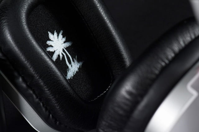 Turtle Beach i60 review headphones ear cup