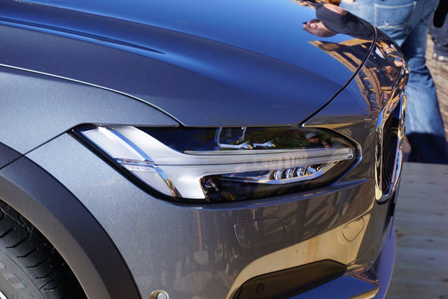 volvo v90 cross country news specs pictures 05