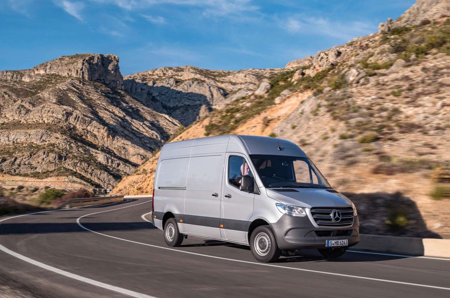 New Mercedes Benz Sprinter Factory Opens With 20000 Amazon Orders